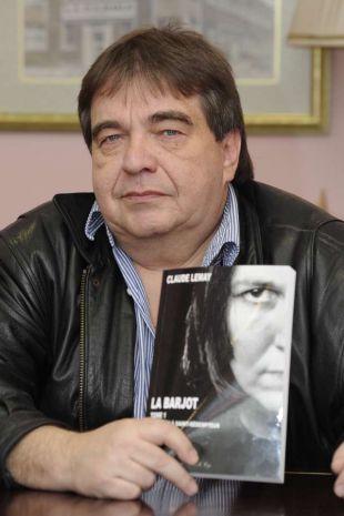 L'auteur et homme d'affaires Claude Lemay est particulièrement fier de son troisième roman «La Barjot», une trilogie dont il vient de publier le premier tome «L'arrivée à Saint-Rédempteur».(Photo : Ghyslain Bergeron)